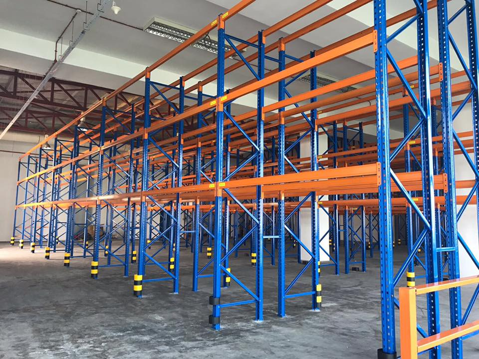 Selective Pallet Racking with protector